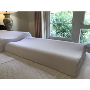 THE LOW THERAPEUTIC PILLOW - low profile, contoured, 100% natural pincore latex.